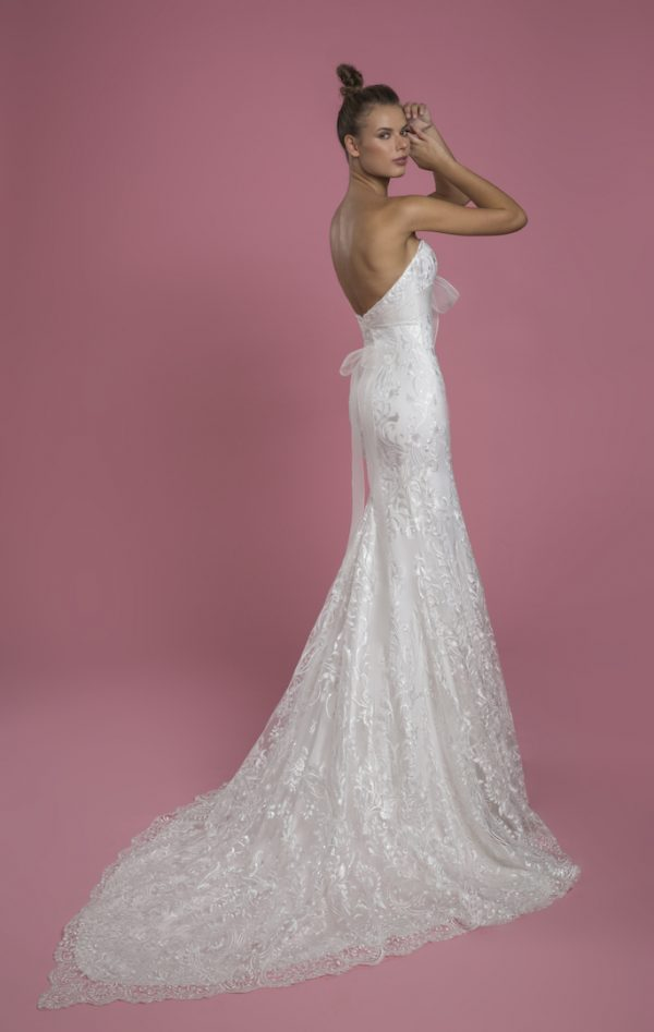 Strapless Sweetheart Fit And Flare Lace Wedding Dress With Bow by P by Pnina Tornai - Image 2