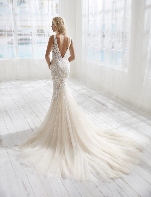 Sleeveless V-nkecline Lace Mermaid Wedding Dress by Randy Fenoli - Image 2
