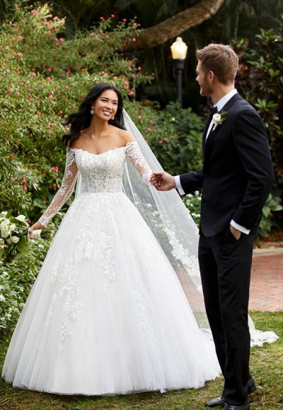 LACE AND TULLE BALLGOWN WITH OFF-SHOULDER SLEEVES by Essense of Australia