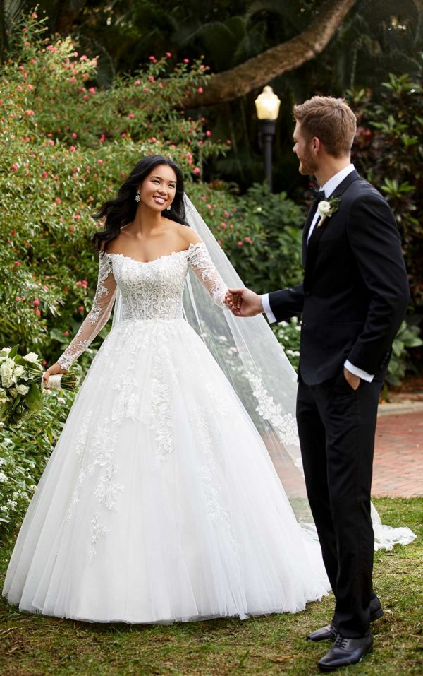 LACE AND TULLE BALLGOWN WITH OFF-SHOULDER SLEEVES by Essense of Australia - Image 1