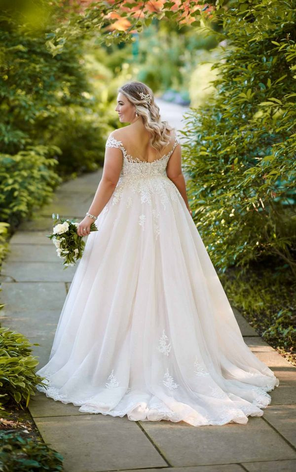 ROMANTIC PLUS SIZE BALLGOWN WITH OFF-THE-SHOULDER CAP SLEEVES by Essense of Australia - Image 2