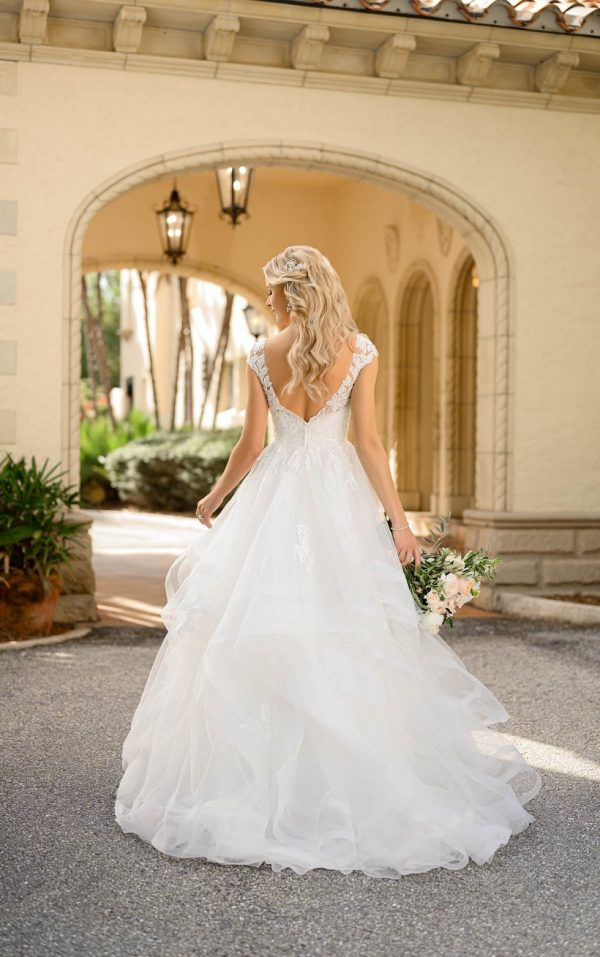Classic Princess Ballgown With Cap Sleeves by Stella York - Image 2