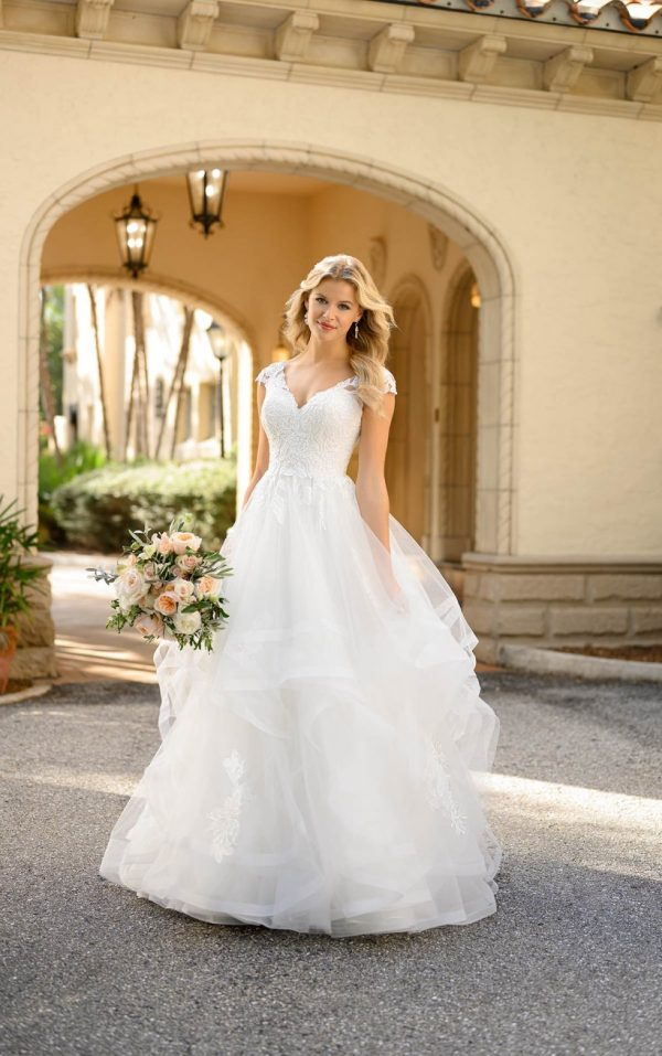 Classic Princess Ballgown With Cap Sleeves by Stella York - Image 1