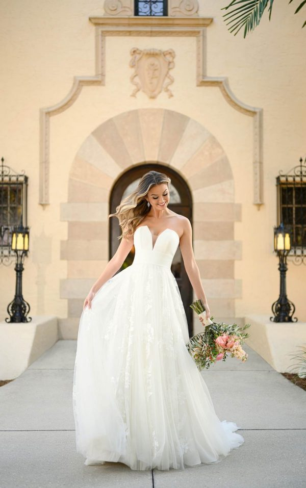Shimmering Floral Ballgown Wedding Dress by Stella York - Image 1