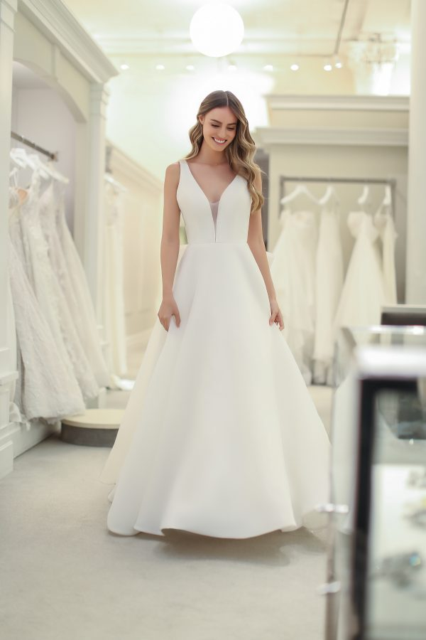 Sleeveless V-neck A-line Wedding Dress by Michelle Roth - Image 1