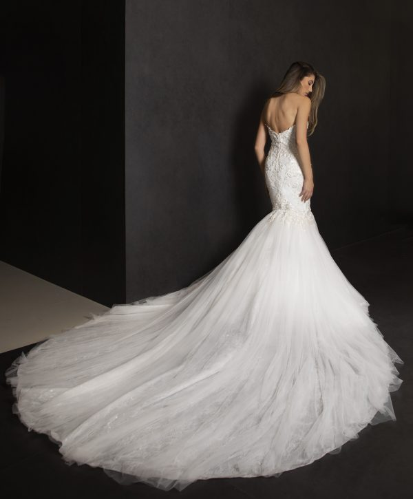 Strapless Mermaid Lace Bodice Wedding Dress With Tulle  Skirt by Tony Ward - Image 2