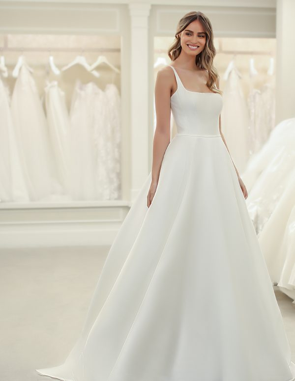 Sleeveless A-line Wedding Dress With Square Neckline by Michelle Roth - Image 1