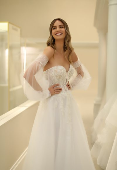 Strapless Sweetheart A-line Wedding Dress With Lace Bodice And Tulle Skirt And Detachable Sleeves by Michelle Roth