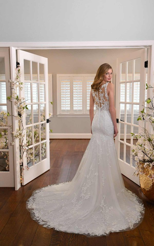 LEAFY LACE FIT-AND-FLARE WEDDING DRESS WITH BACK DETAILS by Essense of Australia - Image 2