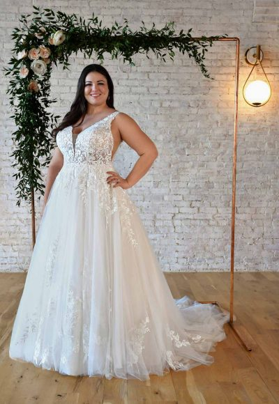 FLORAL LACE PLUS-SIZE WEDDING DRESS WITH PLUNGING V-NECKLINE by Stella York