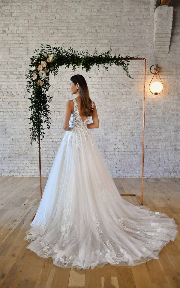 FLORAL LACE WEDDING DRESS WITH PLUNGING V-NECKLINE by Stella York - Image 2