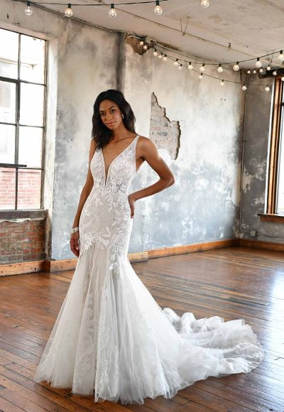FLORAL LACE FIT AND FLARE WEDDING DRESS WITH OPEN BACK by All Who Wander