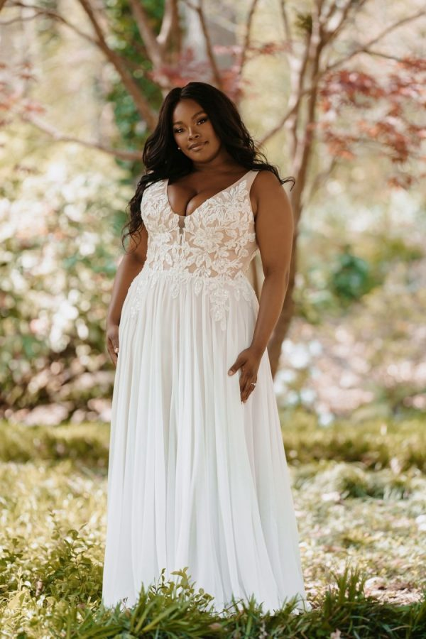 Sleeveless V-neckline A-line Wedding Dress With Lace Bodice And Chiffon Skirt by Allure Bridals - Image 2