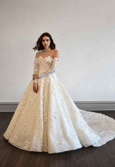 VOLUMINOUS BALLGOWN WEDDING DRESS WITH LONG SLEEVES by Martina Liana Luxe
