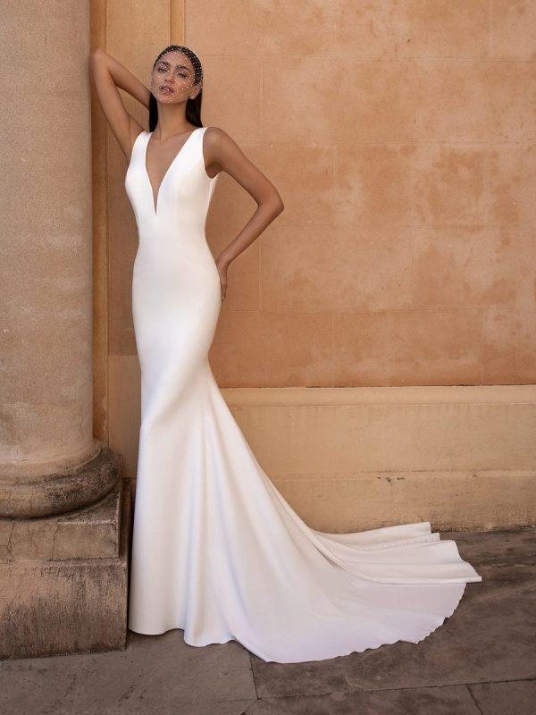 Sleeveless V-neckline Mermaid Wedding Dress by Pronovias - Image 1