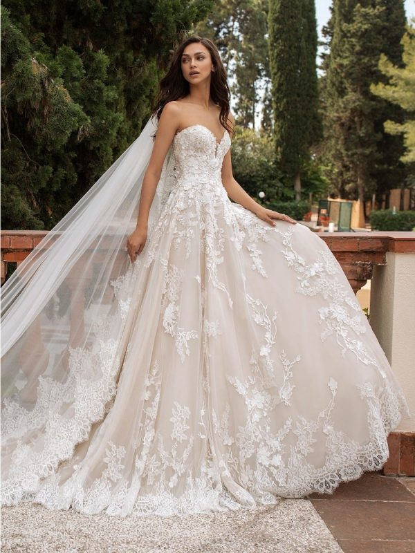 Strapless Sweetheart Neckline Princess Tulle Wedding Dress by Pronovias - Image 1